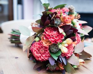 autumnal-wedding-flower-bouquets-london-uk-1-low