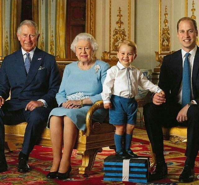 prince-george-royal-family-portrait-3