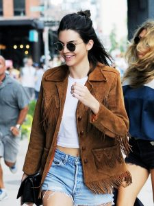 let-kendall-jenner-help-with-your-search-for-the-perfect-winter-coat-1893835-1473253219-600x0c