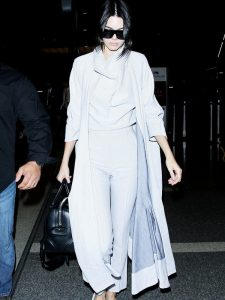 let-kendall-jenner-help-with-your-search-for-the-perfect-winter-coat-1893837-1473253883-600x0c